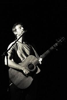 Peter Rothbart performing